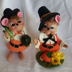 Pair of Annalee Mouse Pilgrims